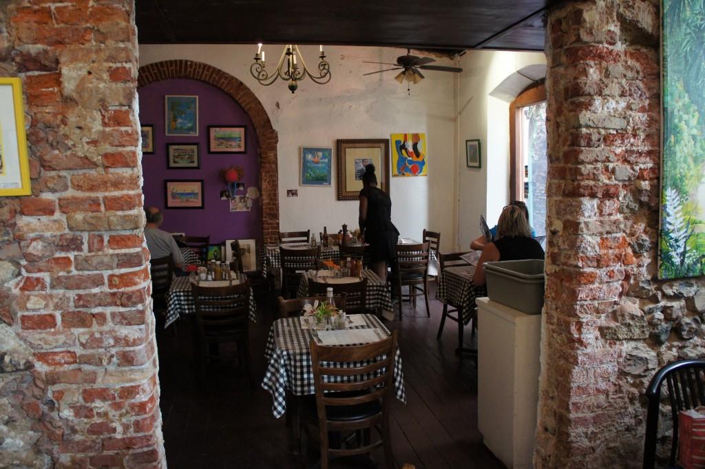Gladys Cafe