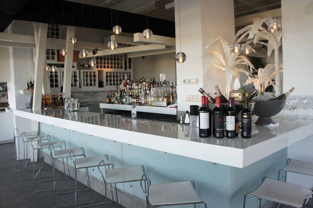 The bar at White Modern Cuisine in Aruba